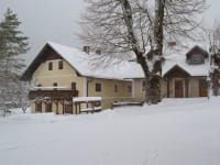 Unser Haus, tief verschneit