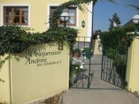 Weinpension Andrea - Zugang zum Haus