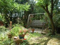 ur-gemütlicher Naturgarten zum Entspannen und Erholen