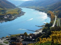 Blick vom Tausendeimerberg auf die Donau und Sandstrände