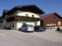 Bauernhaus und Stall