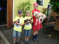 Kinder und Tiere