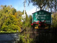 Gästezimmer Weiss - Zufahrt