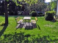 Gästezimmer Weiss - Blick in den Garten