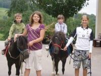 Ponyreiten bei uns gratis zum Selberführen