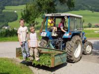 Traktorfahrt nach getaner Arbeit