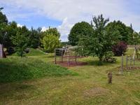 Ferienwohnung Fam. Stuhr - großer Spielplatz in Enzersdorf beim Sportplatz
