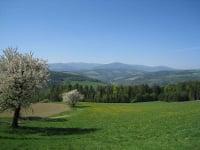Landschaftsfoto mit dem Wechsel im Hintergrund