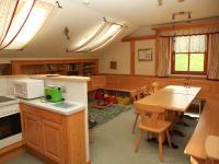 Zwergerlhof - Unser Gemeinschaftraum - hier könnt ihr euch gerne gemütlich zusammensetzen und die Kinder können spielen