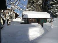 Gartenhütte im Winter