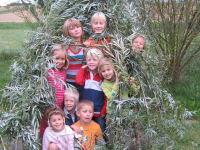 wir bauen ein Tipi aus Weiden