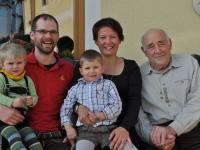 Fam. Auer und Opa Johann