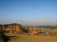 Biohof Besenbäck - Das Dorf im Herbst