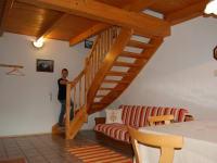 Wohnküche, Aufgang zum Schlafzimmer