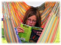 Lesen im Hängesack