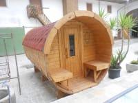 Saunafass im Innenhof