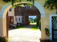 Innenhof mit offenen Toren