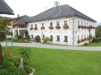 Bauernhaus im Steinbloßstil
