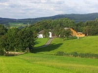 Einzelhof mit Ausblick ins Donautal