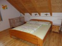 Schlafzimmer Fewo Waldblick