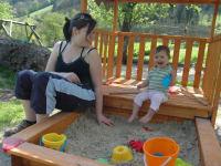 unser Sandspielplatz - ein toller Anziehungspunkt für kleine Baumeister!