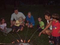 Lagerfeuerromantik am Abend auf dem Ferienhof Steiner