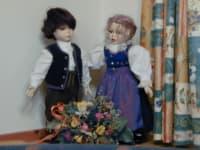 Selbstgemachte Puppen schmücken unser Vorhaus