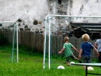 In unserem schönen Garten könne sich die Kinder so richtig austoben und- sie haben großen Spaß dabei!