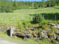 Der Brunnen mit erfrischendem Quellwasser