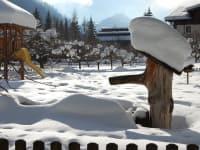 Unser Brunnen versinkt im Schnee