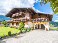 Landhaus Olga im Sommer