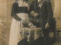 Urgrosseltern Genoveva und Josef, die den Hof kauften