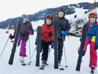 Skiwiese mit Kinderlift direkt gegenüber