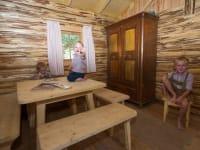 Kinderspielhütte von Innen