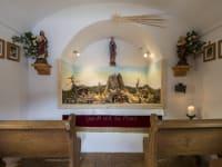 Kapelle mit Krippe