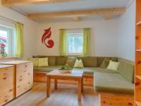 Ferienhaus Zirbenholz Wohnzimmer