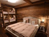 5 Herzen Schlafzimmer Oma Gretl