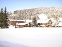 Unser Hof - Arnoldgut mitten in tiefverschneiter Winterlandschaft