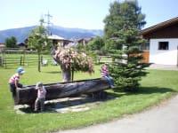 Spielplatz und Brunnen