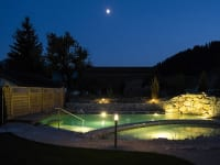 Schwimmteich abends