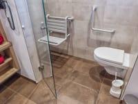 Badezimmer - behindertengerecht Ausstattung möglich