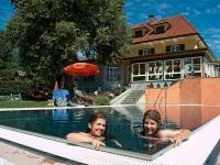 Schwimmbad mit Kinder