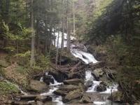 Der Wasserfall befindet sich auf unserem Grundstück und wurde unter Naturschutz gestellt.