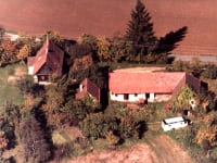 Altes Gehöft am Lormanberg vor der Renovierung 1990 Steirisches Vulkanland Österreich