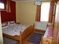 Dreibettzimmer in der Ferienwohnung
