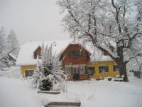 BioBauernhof Sommer im Schnee