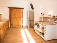 Küche mit Gwölb , urig renoviert., mit Geschirrspüler, Backrohr, E-Herd, Kühlschrank..
