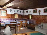 Die Hütte bietet Platz für bis zu 10 Personen