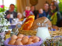 Frühstück mit unseren Bio-Produkten aus eigener Produktion