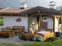 Grillhütte beim Hof